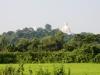 In lontananza un templio buddhista